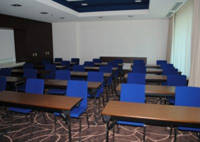 sala-onix-46-mp-cap-30-pers-in-classroom